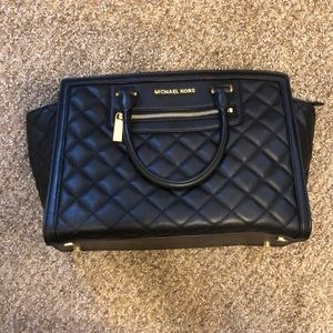 Michael Kors Large Selma Leather Messenger Bag